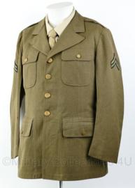Wo2 US Army Class A jacket gedateerd 1942 - rang  Sergeant  - size 38S= 48k - origineel