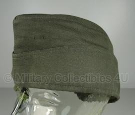 Origineel leger schuitje  - groen - maat 53 tm. 59 - origineel