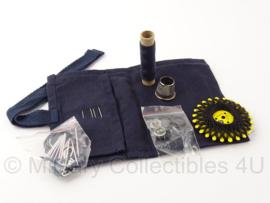 KMAR Koninklijke Marechaussee naaiset donkerblauw - met inhoud - origineel