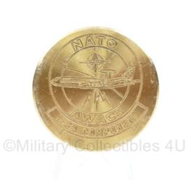 Nederlands Leger NATO AWACS metalen coin Nijmeegse vierdaagse 1994 -2011 - 4 cm. diameter - origineel
