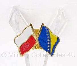 Vlag vriendschap speldje - Polen/Ukraine - 2,5 x 2 cm - Origineel