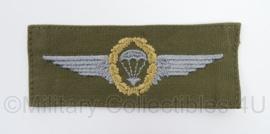 Duitse BW Bundeswehr stoffen Parawing Fallschirmjager goud - GVT groen - afmeting 5 x 13 cm - origineel