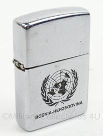 KL Landmacht VN/UN Zippo Bosnie Herzegovina - afmeting 5,5 x 4 cm - origineel