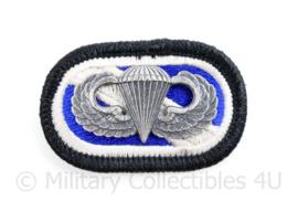 US Army Oval Wing met parachutist badge voor op de borst  - 6 x 3,5 cm - origineel