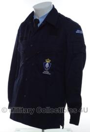 KMAR Marechaussee uniform jas 2005/2006 basis jas - donkerblauw - MET insignes - NIEUW - origineel