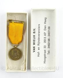 KL MVD Ministerie van Defensie moderne Trouwe dienst medaille - Brons mini versie - afmeting 2 x 5,5 cm - origineel