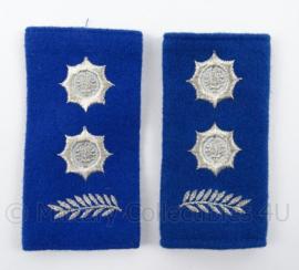 Gemeentepolitie schouder epauletten met logo zwaardje - rang Hoofdinspecteur Ambtenaar 1ste klasse - afmeting 5 x 8 cm - origineel