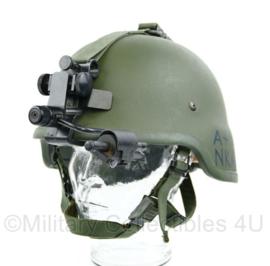 Zeldzame Nederlandse leger ballistische composiet helm met nachtkijker NVG  mount  en contragewichten - maat M- origineel