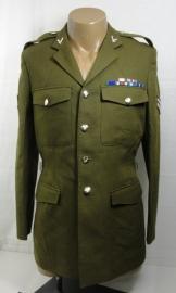 Britse uniform jas met insignes en medailles - Army Air Corps maat 188/112 - origineel