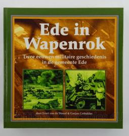 Boek Ede in Wapenrok - met stempel school luchtdoelartillerie commandant - afmeting 22 x 21,5 cm - origineel