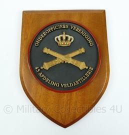 Onderofficiers Vereniging wandbord - 43 afdeling veldartillerie - afmeting 19,5 x 14 x 1 cm - origineel