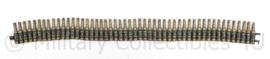 Defensie 50 stuks Messing afgeschoten oefenpatronen in schakels - 77 x 7 cm - origineel