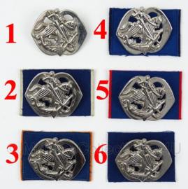 KL Nederlandse leger Cavalerie Huzaren baret insigne - origineel