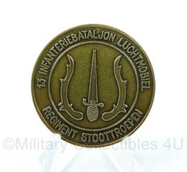 Nederlandse Defensie coin - 13 infanteriebataljon luchtmobiel stoottroepen 11 luchtmobiele brigade - origineel