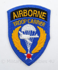 US Airborn Troop Carrier embleem - cut edge - afmeting 5 x 8 cm - origineel
