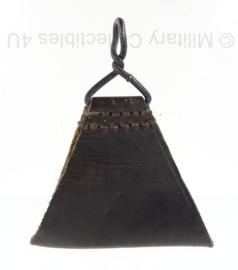 Franse leger zwarte lederen koppelstuk driehoek (voor bevestigen draagstel)- origineel