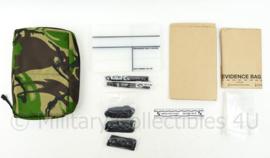 Zeldzame Defensie voorste eenheden kit voor verwerken van verdachte personen - met inhoud - 20 x 25 x 6 cm - nieuw - origineel