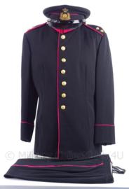 """KL Koninklijke Landmacht gala uniform jasje, broek en pet """"eerste luitenant""""  - """"militaire administratie"""" - maat 50 - origineel"""