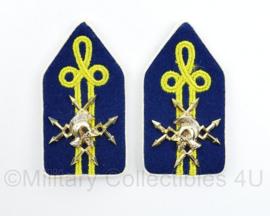 DT2000  Militaire Academie verbindingsdienst kraagspiegels - 8 x 4 cm - origineel