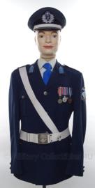 Politie Kreta uniform SET jasJE , overhemd, stropdas, koppel en pet - met originele insignes en medailles - maat 52 - origineel