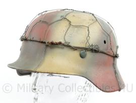 WO2 Duitse M35 helm gerestaureerd - originele pot en replica liner en verf - Zeldzame maat 68 pot en 61 liner (hoofdomtrek)