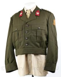 Nederlands leger DT uniform jas kort model 1963 - Intendance - Rang Kapitein - maat 50 - nieuw -  origineel