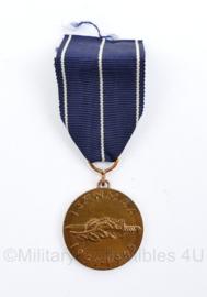 WO2 Finse leger herinneringsmedaille 1941 1945 Isanmaa Finland WW2 Continuation War Commemorative Medal ISÄNMAA 1941 1945 - diameter 3 cm -origineel
