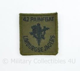 Defensie GVT borst embleem 42 Painfbat Limburgse Jagers - met klittenband - 5,5 x 5 cm - origineel