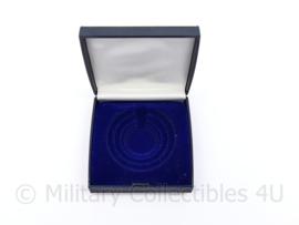Defensie leeg doosje voor coin of munt - 8 x 7,5 x 1,5 cm -  origineel