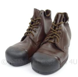 Veiligheidsschoenen merk Emma - donkerbruin leer, rubberen zool - nieuw - maat 43m = 270m- origineel