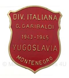WW2 Italian Divisione Garibaldi Montenegro Yugoslavia 1943-1945 schild badge  in geschenk- of displaydoosje