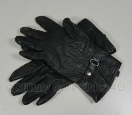 KL handschoenen met voering - model met riempje - zwart leer - maat 6,5 t/m 9,5 - origineel