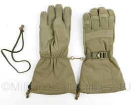Defensie nieuw model handschoen vochtregulerend groen - maat M -  nieuw in de verpakking - origineel