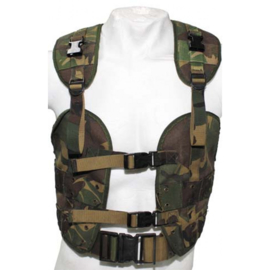 Nederlands bokkentuig - load bearing vest  - woodland camo - origineel