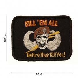 Embleem Kill 'em All - met klittenband - stof - 8,5 x 6,3 cm.