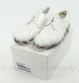 KM Koninklijke Marine Tropen schoenen wit merk Avang - lederen zool , rubber inzet - nieuw  - maat 270M/43M  - origineel