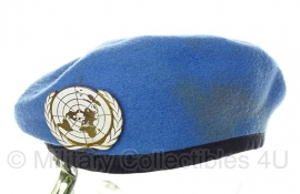 VN UN United Nations baret met insigne  - US size 7 1/8- origineel