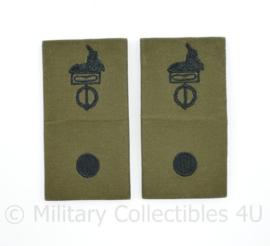 Defensie Stafadjudant GVT epauletten paar -  9 x 4,5  cm -origineel