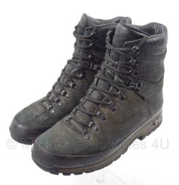 KL Nederlandse leger Meindl schoenen M2 - gebruikt - origineel KL - maat 270S / 43 S