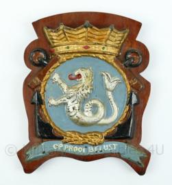 """Koninklijke Marine wandbord - Zr. Ms. Zeeleeuw - """"op prooi belust"""" - afmeting 18 x 15,5 x 1,5 cm - origineel"""