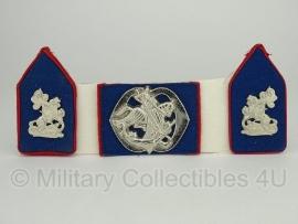 KL baret speld en kraagspiegel set - Regiment Cavalerie Prins Alexander - origineel