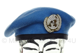 VN UN United Nations baret met insigne  - US size 6 1/2- origineel
