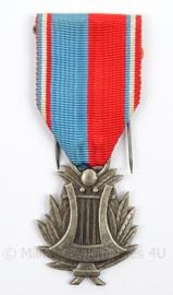 Franse onderscheidings medaille Confederation Musicale de France - afmeting 3 x 8,5 cm - origineel