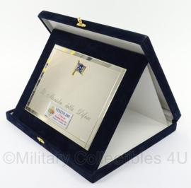 Italiaanse leger wandbord / plaque  in geschenkdoos - afmeting totaal 28 x 23 x 3,5 cm - origineel
