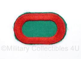 US Army naoorlogse oval wing voor op de borst 10th Special Forces Group Airborne oval wing - groen met rode rand - origineel