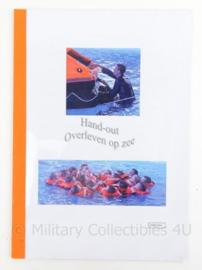 KM Koninklijke Marine handout Overleven op zee - origineel