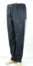 Regenbroek - donkerblauw met streep langs bies - lengte 175 / tailleomvang 96 - gebruikt
