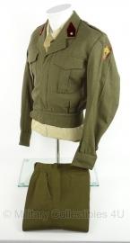 Belgische field service dress met broek 1965 - maat 3 = Small   - lijkt op wo2 canadees model - origineel