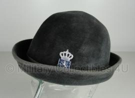 Antieke Dames Douane hoed - met insigne - origineel