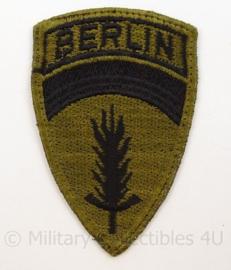 US Army embleem SHAEF Berlin eenheid - net naoorlogs - subdued cut edge - afmeting 6 x 10,5 cm - origineel